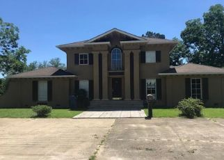 Foreclosed Home in Fort Deposit 36032 HALE ST - Property ID: 4406258126