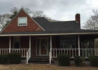 Foreclosed Home in Dillon 29536 E MAIN ST - Property ID: 4406277855