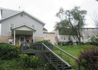 Foreclosed Home in Weirton 26062 WANDA ST - Property ID: 4406305431
