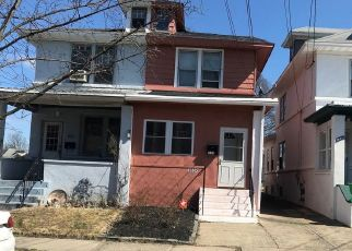 Foreclosed Home in Trenton 08610 CHAMBERS ST - Property ID: 4406317258