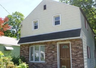 Foreclosed Home in Glenside 19038 JACKSON AVE - Property ID: 4406380782