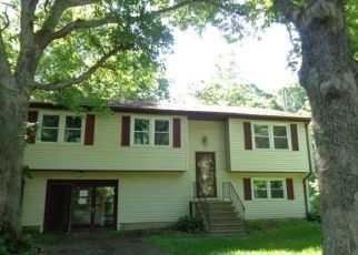 Foreclosed Home in Burlington 06013 W CHIPPENS HILL RD - Property ID: 4406419758
