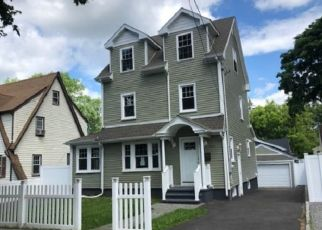 Foreclosed Home in Bridgeport 06606 THORME ST - Property ID: 4406446916