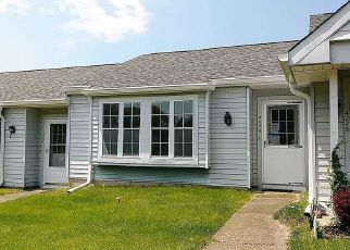Foreclosed Home in Ridge 11961 AYLESBURY CT - Property ID: 4406460927