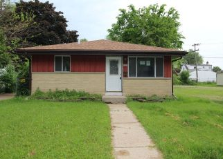 Foreclosed Home in Milwaukee 53218 N 49TH ST - Property ID: 4406576549