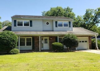 Foreclosed Home in Newport News 23602 MALDEN LN - Property ID: 4406623403