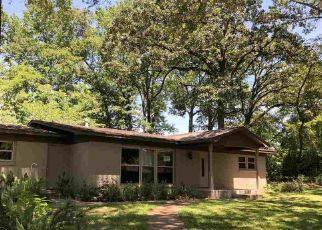 Foreclosed Home in Tyler 75701 LAUREL PL - Property ID: 4406631288