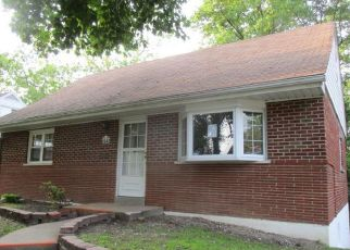 Foreclosed Home in Saint Louis 63114 BELCREST LN - Property ID: 4406696551