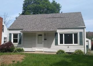 Foreclosed Home in Niagara Falls 14304 BOLLIER AVE - Property ID: 4406772765