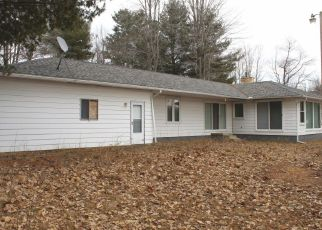Foreclosed Home in Gladwin 48624 LAKESHORE DR - Property ID: 4406835381