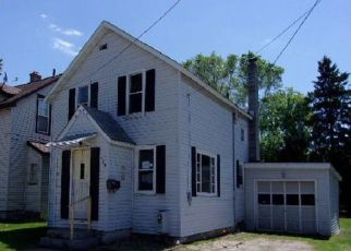 Foreclosed Home in Iron Mountain 49801 7TH ST - Property ID: 4406839774