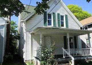 Foreclosed Home in Lansing 48915 W SHIAWASSEE ST - Property ID: 4406841519