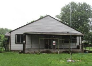 Foreclosed Home in Indianapolis 46237 S OAKLAND AVE - Property ID: 4406851146