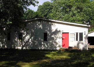 Foreclosed Home in Cayuga 47928 ARRASMITH AVE - Property ID: 4406905460