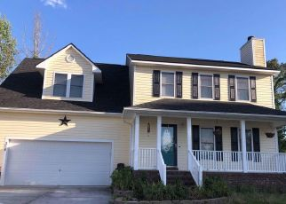 Foreclosed Home in Jacksonville 28540 SOFTWOOD CT - Property ID: 4407027210