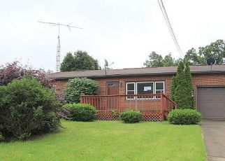 Foreclosed Home in Salem 44460 SOUTHEAST BLVD - Property ID: 4407110431