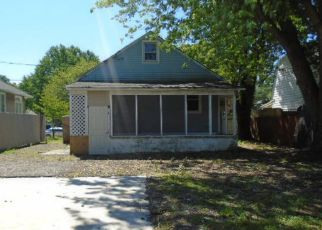 Foreclosed Home in Baltimore 21206 PEMBROKE AVE - Property ID: 4407123124