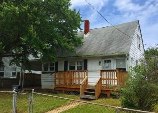 Foreclosed Home in Essex 21221 KINWAT AVE - Property ID: 4407138912