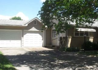 Foreclosed Home in Arkansas City 67005 N 8TH ST - Property ID: 4407194979