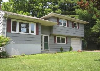 Foreclosed Home in West Hartford 06117 NORTHBROOK DR - Property ID: 4407206802