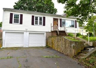 Foreclosed Home in Branford 06405 BROOKLAWN TER - Property ID: 4407226951