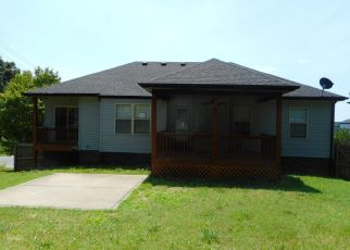Foreclosed Home in Clarksville 37042 TIMBERDALE DR - Property ID: 4407294829