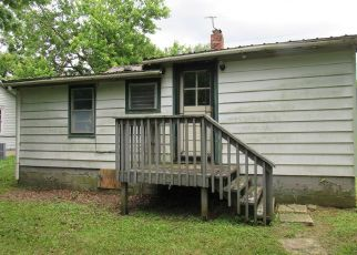 Foreclosed Home in Elizabethtown 42701 NICHOLAS ST - Property ID: 4407297450