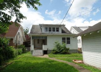 Foreclosed Home in Huntington 25701 7TH AVE W - Property ID: 4407300965