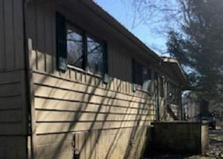 Foreclosed Home in Prestonsburg 41653 DICKERSON ST - Property ID: 4407322862