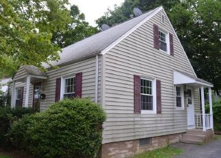 Foreclosed Home in Hamden 06517 FENWAY DR - Property ID: 4407330289