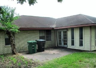 Foreclosed Home in Houston 77022 SPELL ST - Property ID: 4407453813