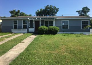 Foreclosed Home in San Antonio 78223 METZ AVE - Property ID: 4407463442