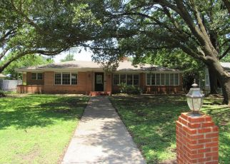Foreclosed Home in Waco 76708 WINDSOR AVE - Property ID: 4407477905