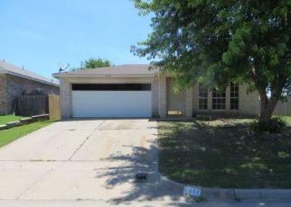 Foreclosed Home in Fort Worth 76179 STONEWATER BEND TRL - Property ID: 4407481400