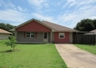 Foreclosed Home in Waco 76705 CEDAR ST - Property ID: 4407483593
