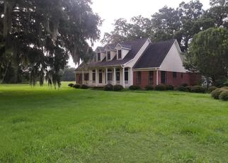 Foreclosed Home in Angleton 77515 FLINTLOCK CT - Property ID: 4407486659