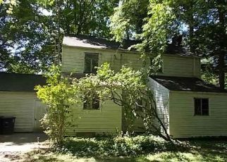 Foreclosed Home in Akron 44320 DELIA AVE - Property ID: 4407508105