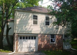 Foreclosed Home in Saint Louis 63135 DERINDA AVE - Property ID: 4407528708
