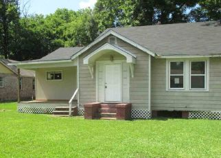 Foreclosed Home in Baton Rouge 70805 SHERWOOD ST - Property ID: 4407701707