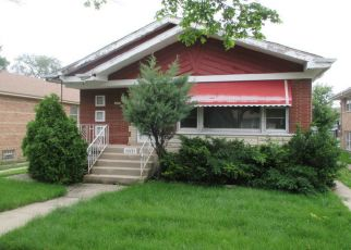 Foreclosed Home in Chicago 60628 S EMERALD AVE - Property ID: 4407717918