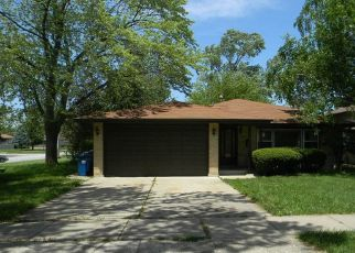 Foreclosed Home in South Holland 60473 E 169TH PL - Property ID: 4407718340