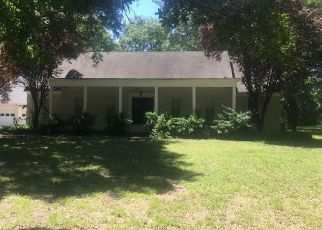 Foreclosed Home in Pittsburg 66762 E 8TH ST - Property ID: 4407724473