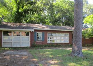 Foreclosed Home in Phenix City 36867 14TH AVE - Property ID: 4407799368