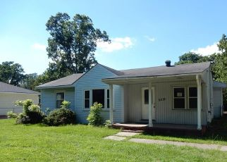 Foreclosed Home in Fayetteville 28304 SPRUCE DR - Property ID: 4407810314