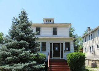 Foreclosed Home in Pikesville 21208 MILITARY AVE - Property ID: 4407929893