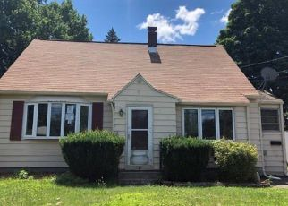 Foreclosed Home in New Britain 06053 HIGHVIEW AVE - Property ID: 4407954860