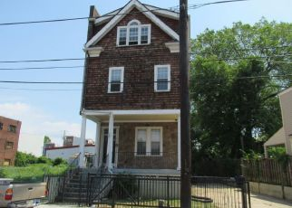 Foreclosed Home in Washington 20002 KENDALL ST NE - Property ID: 4407960993