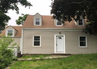 Foreclosed Home in Meriden 06451 BELLEVUE ST - Property ID: 4407970617