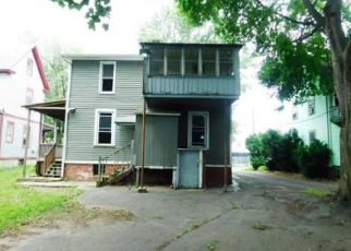 Foreclosed Home in New Britain 06051 DEWEY ST - Property ID: 4407974560