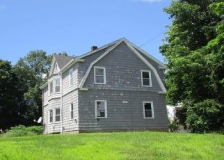 Foreclosed Home in Waterbury 06706 PEARL LAKE RD - Property ID: 4407985953